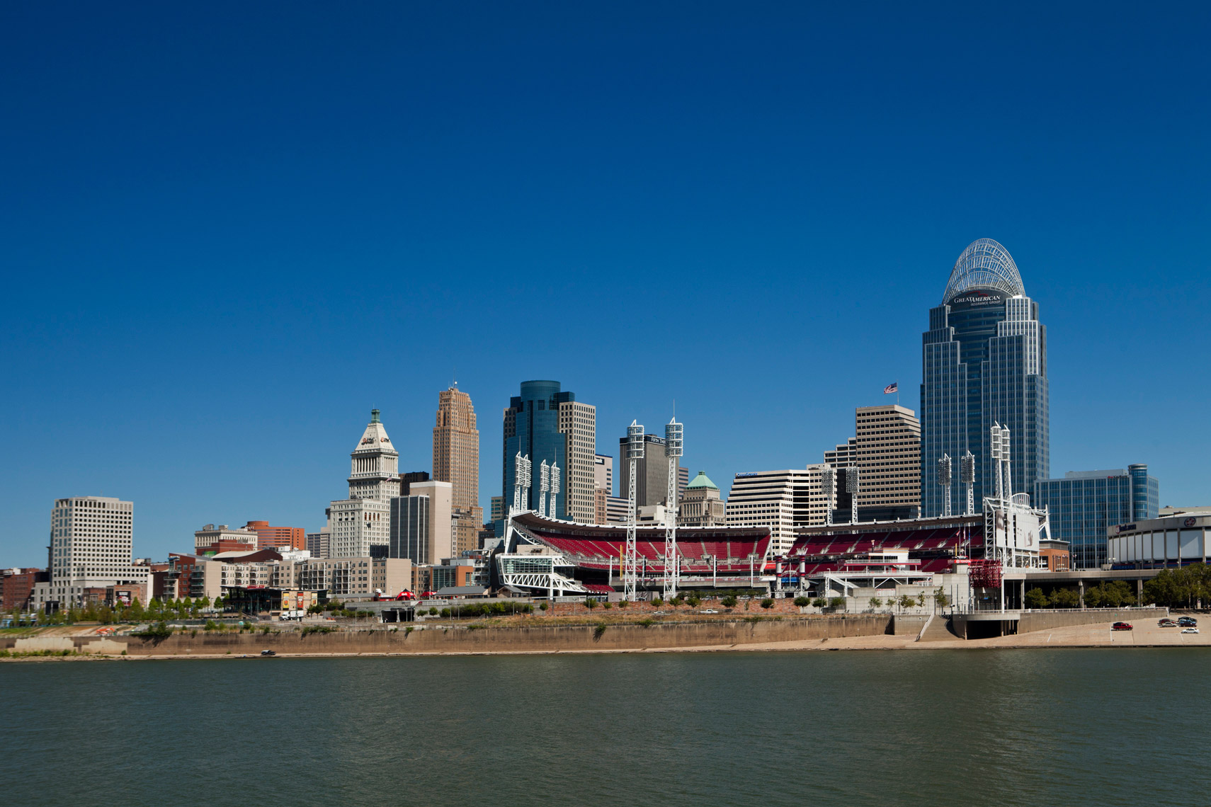 Cincinnati_City_River_Day